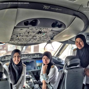 Where women are not allowed to drive , Women land plane